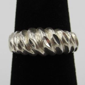 Vintage Size 6 Sterling Odd Rough Style Band Ring